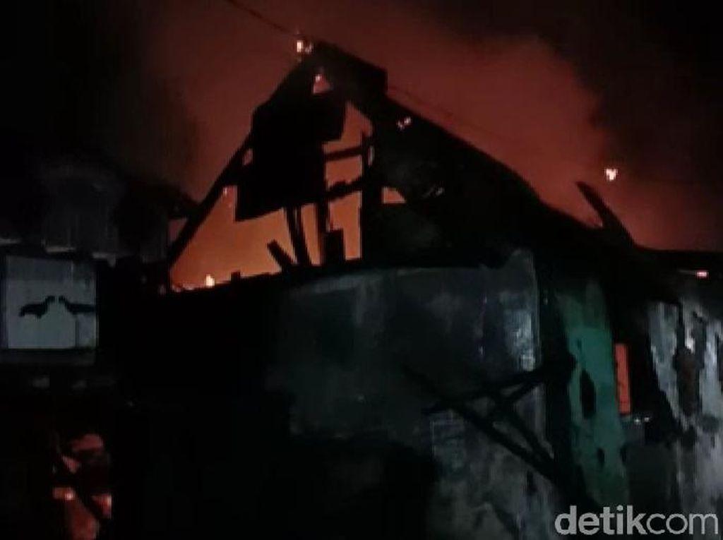 Pria di Surabaya Bakar Rumah Mantan Istri