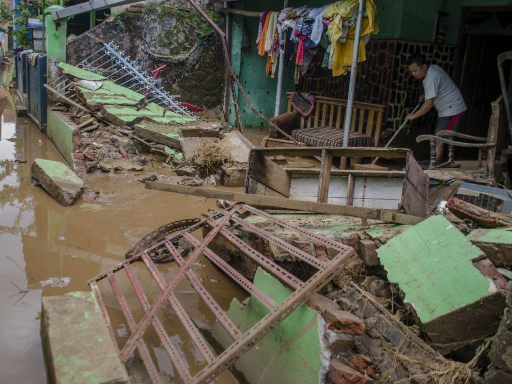 240 Rumah di Rancaekek Rusak Berat Akibat Banjir
