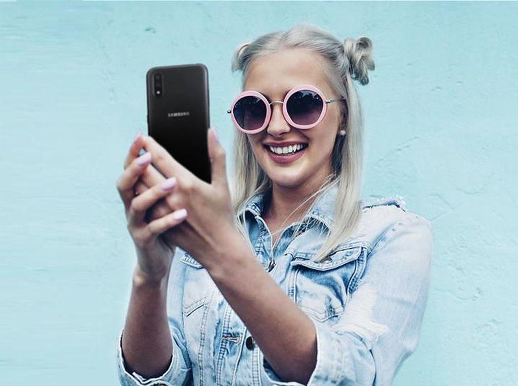 Samsung Rilis Galaxy A01  Harganya Rp 1 Jutaan