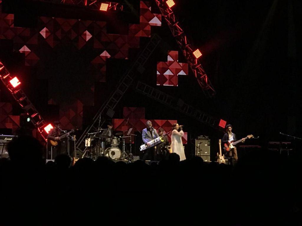 Grup Vokal 7 Bintang Sukses Membuka BNI Java Jazz Festival 2020