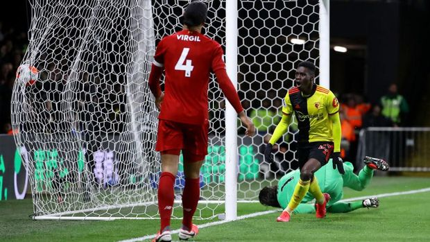 WATFORD, ENGLAND - FEBRUARY 29: Ismaila Sarr of Watford celebrates after scoring his team's first goal during the Premier League match between Watford FC and Liverpool FC at Vicarage Road on February 29, 2020 in Watford, United Kingdom. (Photo by Richard Heathcote/Getty Images)