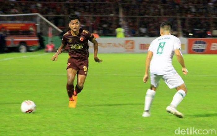 PSM Makassar mengawali petualangan di Shopee Liga 1 2020 dengan manis. Juku Eja memetik kemenangan tipis 2-1 atas Super Elang Jawa.