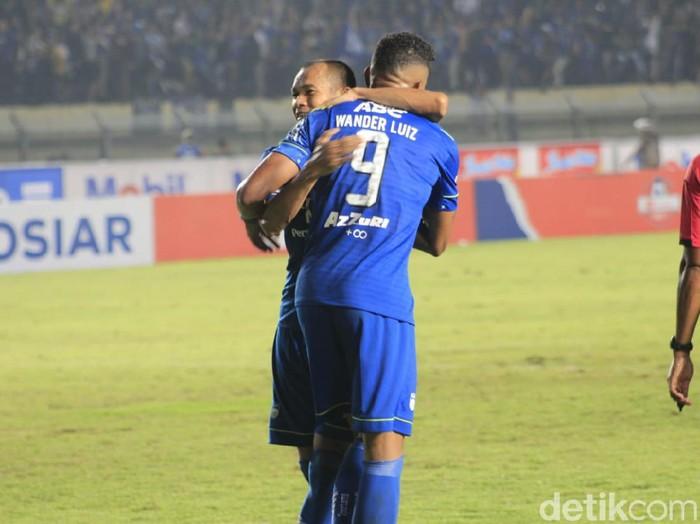 Striker Persib Bandung, Wander Luiz, mencetak dua gol pada laga debutnya di Liga 1 2020