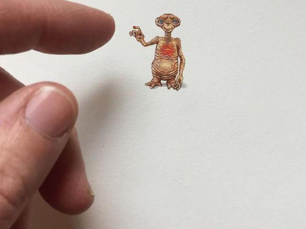 Keren! Ilustrasi Mini Ini Hanya Sebesar Ujung Jari