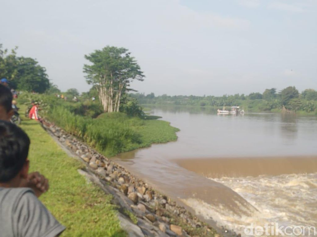 Ini Penyebab Perahu Terbalik di Sungai Brantas hingga 4 Orang Hilang