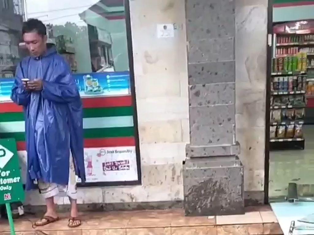 Mabuk Berat Lalu Ngamuk di Minimart Ubud, Turis Diikat Warga