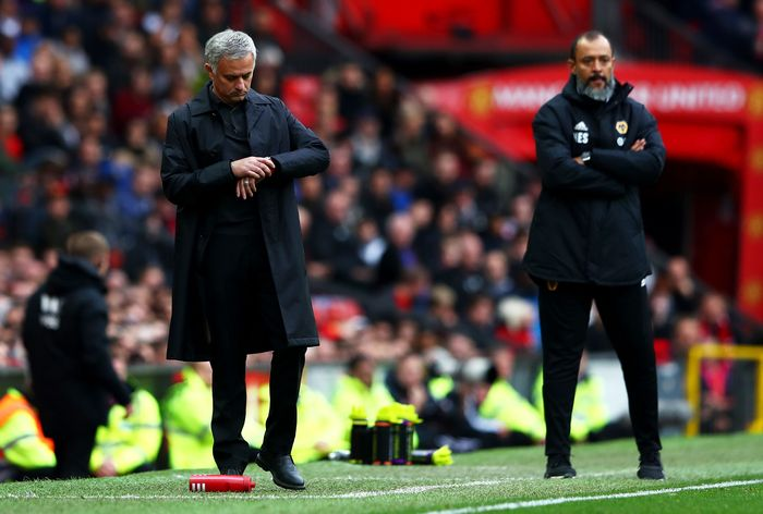 MANCHESTER, ENGLAND - SEPTEMBER 22:  Jose Mourinho, Manager of Manchester United checks his watch during the Premier League match between Manchester United and Wolverhampton Wanderers at Old Trafford on September 22, 2018 in Manchester, United Kingdom.  (Photo by Matthew Lewis/Getty Images)