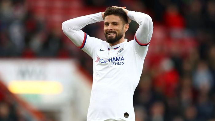 BOURNEMOUTH, ENGLAND - FEBRUARY 29: Olivier Giroud of Chelsea reacts  during the Premier League match between AFC Bournemouth and Chelsea FC at Vitality Stadium on February 29, 2020 in Bournemouth, United Kingdom. (Photo by Michael Steele/Getty Images)
