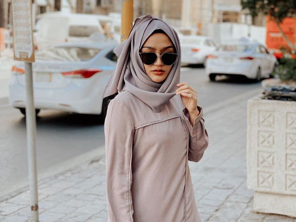 Foto Umroh Siti Badriah Digeruduk karena Ucapan Belum Siap Berhijab