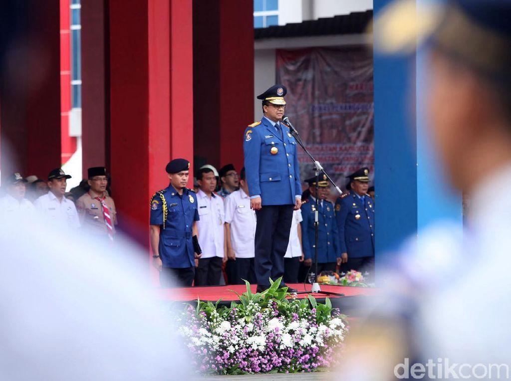 Momen Anies Baswedan Jadi Inspektur Upacara HUT Ke-101 Damkar DKI