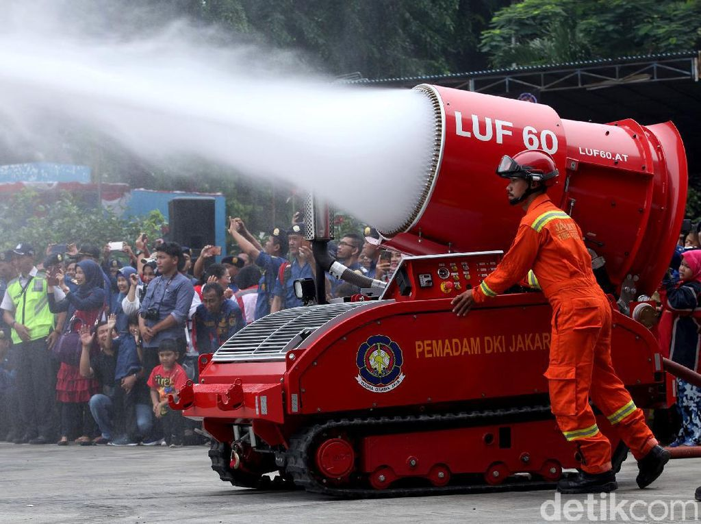 Kala Robot Damkar Rp 37 Miliar Tak Beraksi di Kebakaran Kejagung