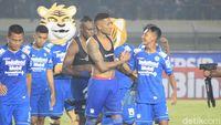 Striker Persib Bandung Wander Luiz Sembuh dari COVID-19
