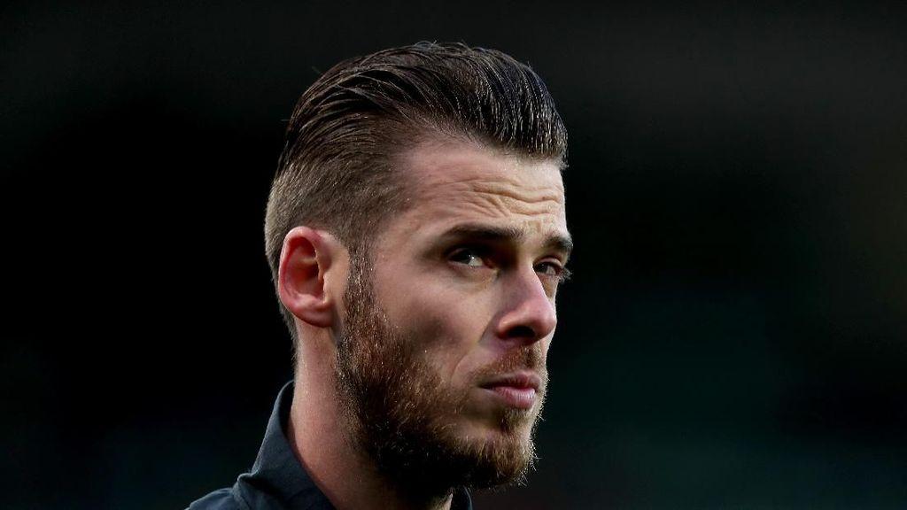 10 Pemain Liga Inggris yang Suka Dipanas-panasin di Twitter