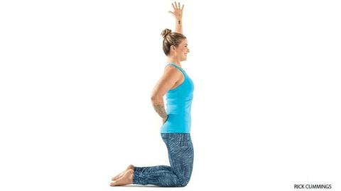 12 pose yoga untuk mengatasi sakit pundak dan leher bagian 1