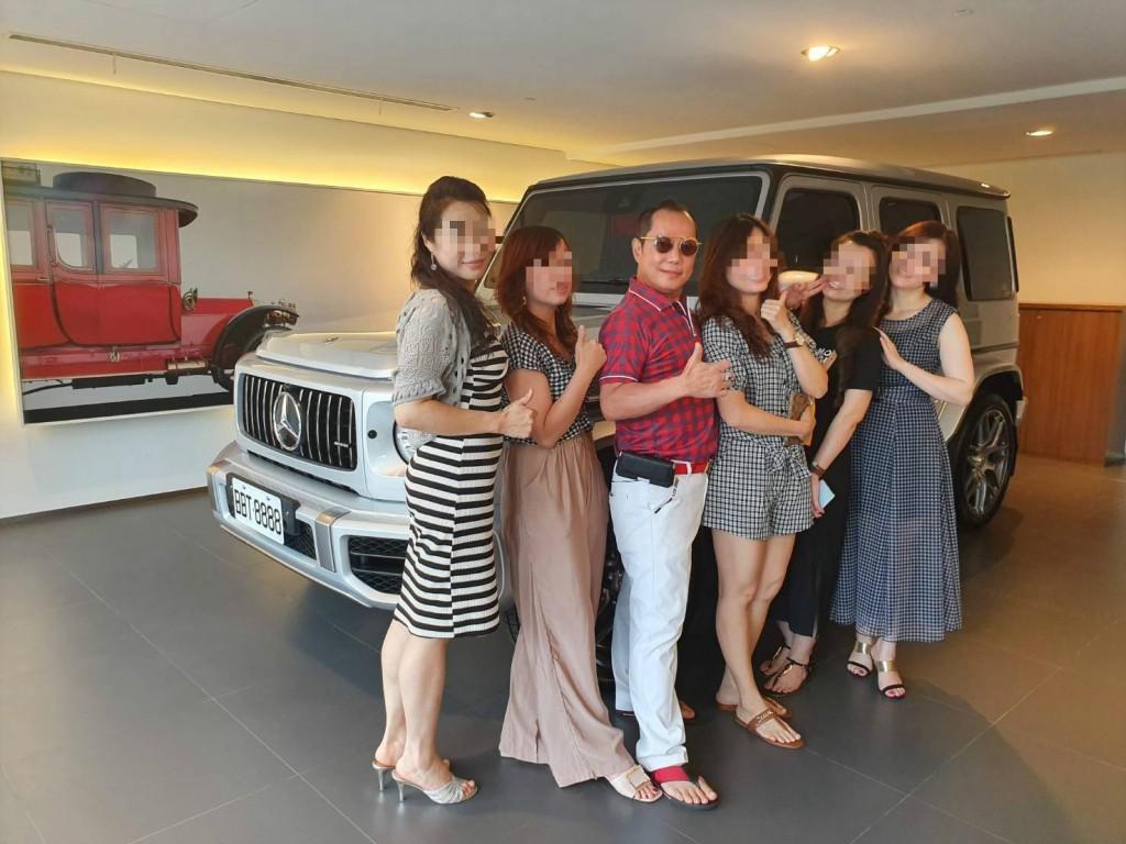 Viral, Pria Tajir Hidup dengan 4 Istri dan 16 Selingkuhan di Rumah 8 Lantai