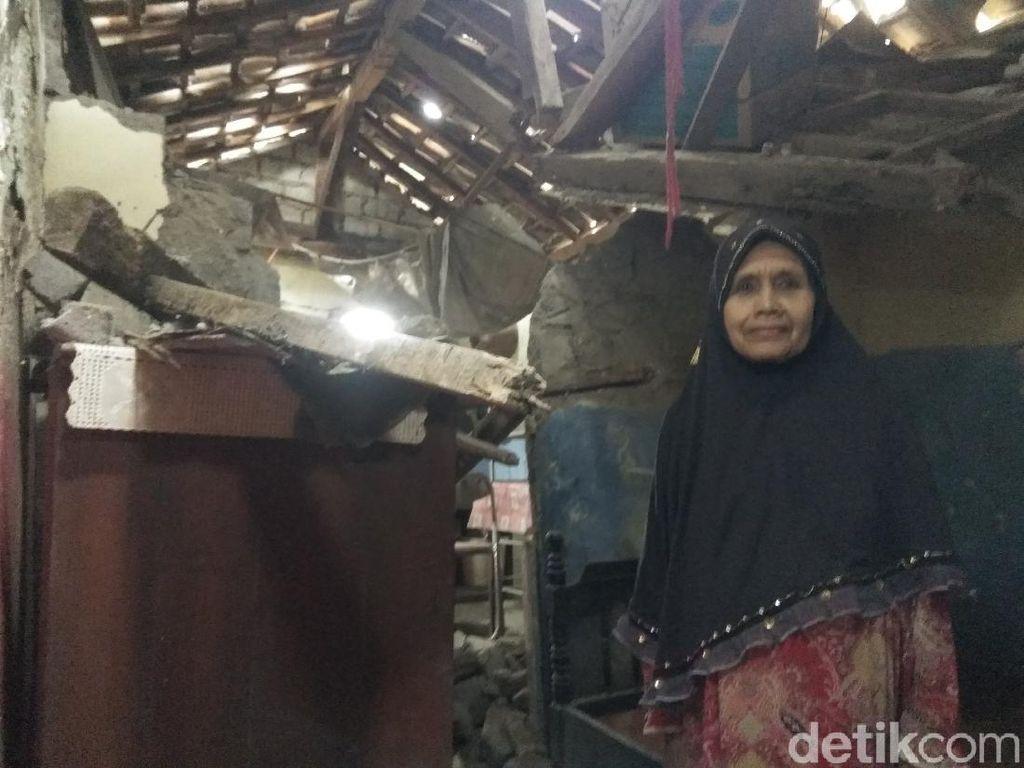 Pilu Mak Eha, Hidup Sebatang Kara di Rumah Ambruk dan Idap Tumor Ganas