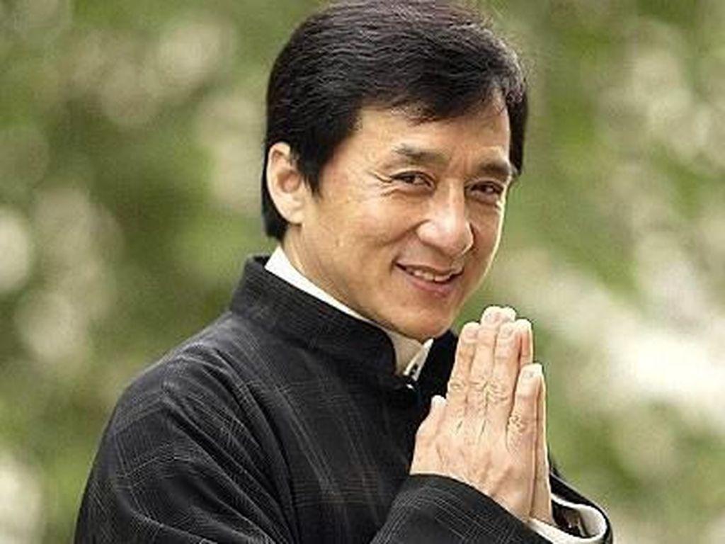 Cerita Jackie Chan Tenggelam di Sungai, Sutradara Menangis