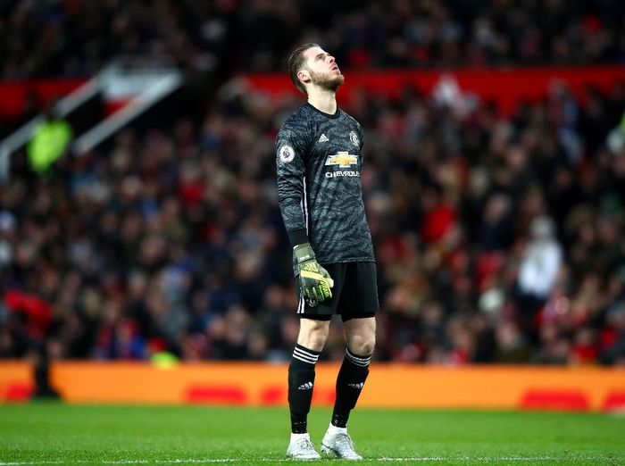 MANCHESTER, ENGLAND - DECEMBER 15: David De Gea of Manchester United looks dejected during the Premier League match between Manchester United and Everton FC at Old Trafford on December 15, 2019 in Manchester, United Kingdom. (Photo by Clive Brunskill/Getty Images)