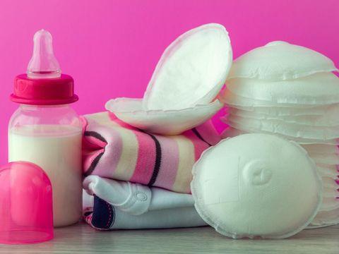 Ibu Menyusui, Simak 3 Cara Memilih Breast Pad agar ASI Tak Bocor