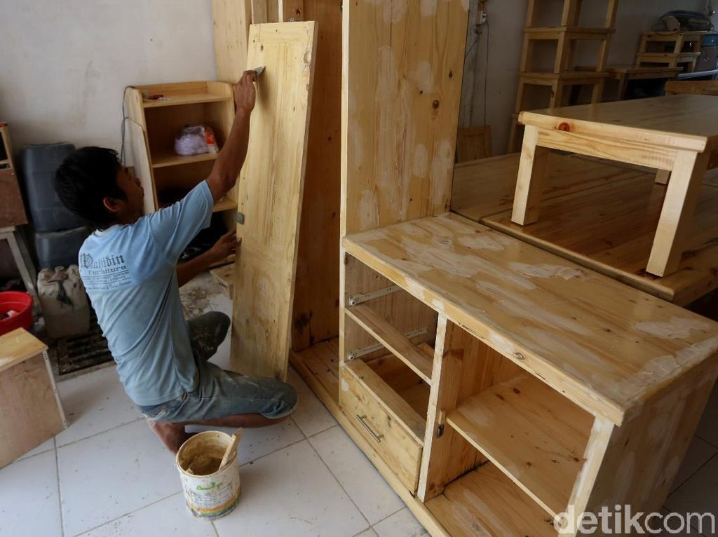 Pascabanjir, Perajin Furniture Kebanjiran Order