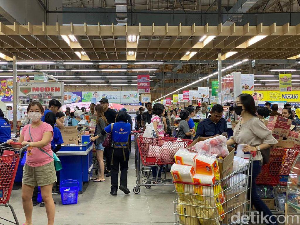 Akhirnya! Supermarket Ini Wajibkan Pelanggan Pakai Masker