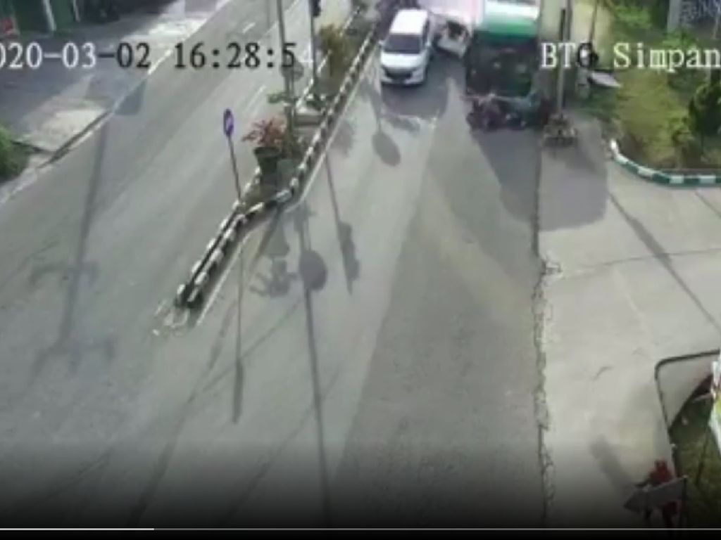 Bus Rem Blong Tabrak 13 Kendaraan di Bontang, 2 Orang Tewas dan 7 Luka