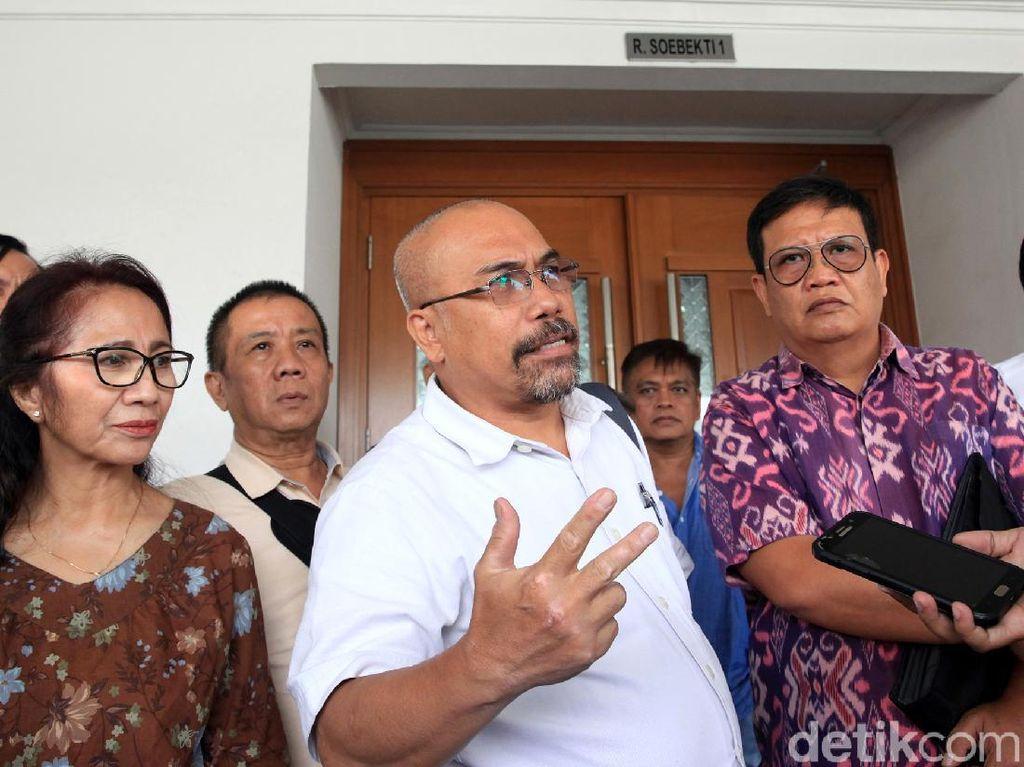Warga Hadiri Sidang Lanjutan Gugatan Class Action Banjir Jakarta