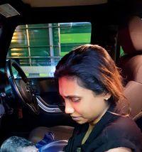 Unik! Akta Kelahiran Bayi Ini Tertulis di Dalam Mobil Jeep