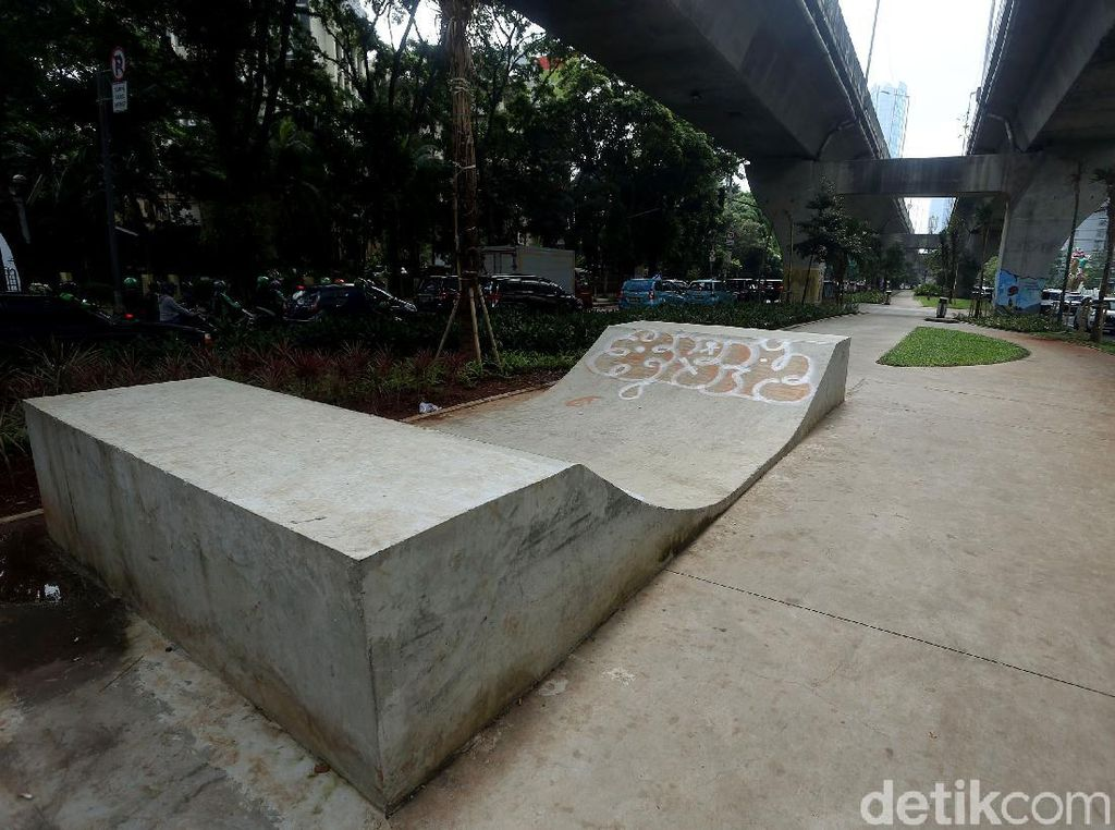 Terlalu! Skatepark di Kolong JLNT Casablanca Jadi Korban Vandalisme
