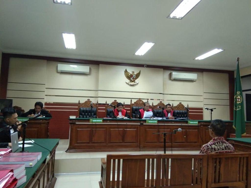 Korupsi Jasmas, Eks Anggota DPRD Surabaya Divonis 1 Tahun 8 Bulan Penjara