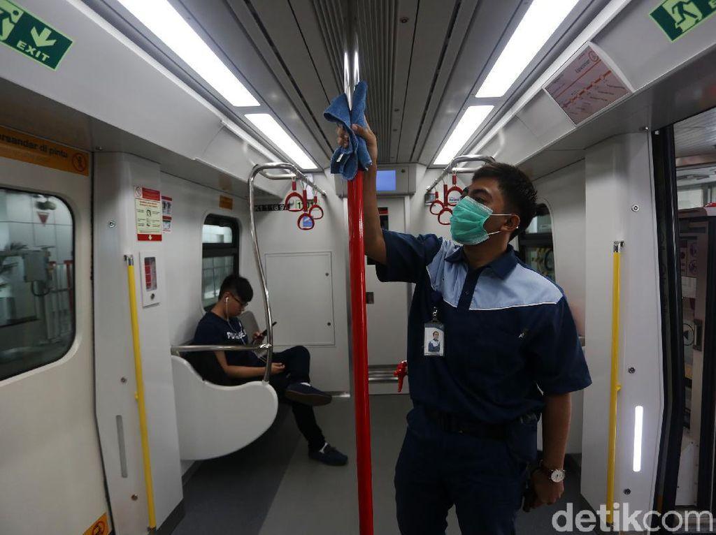 LRT Jakarta Dibersihkan Antisipasi Penyebaran Corona