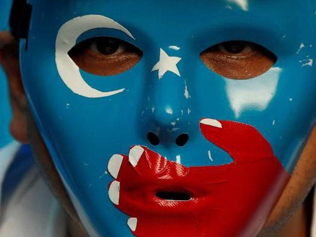 Daftar Perusahaan yang Diduga Paksa Kerja Warga Muslim Uighur di China