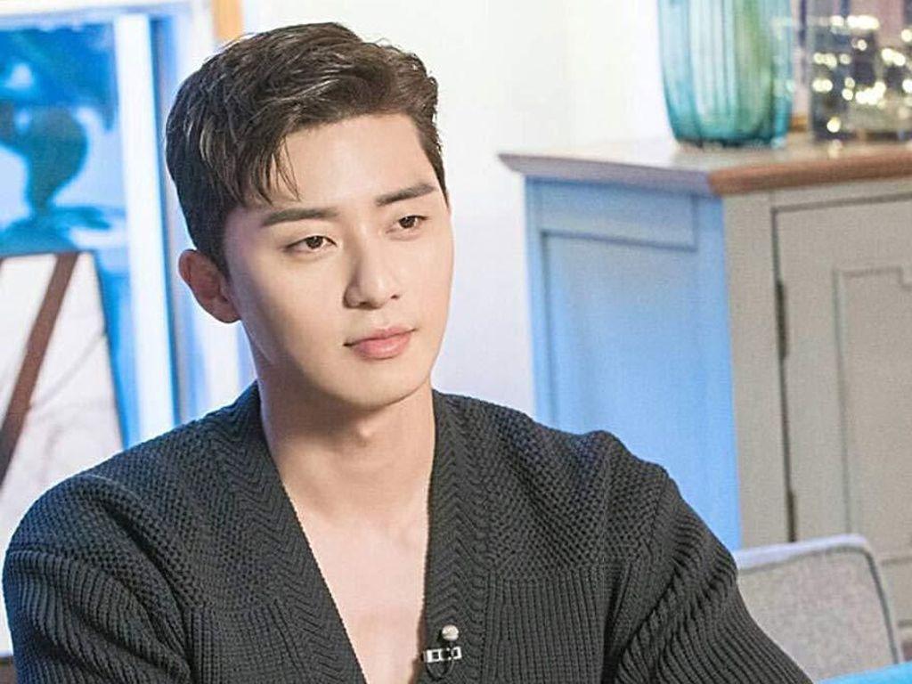 Itaewon Class Tamat, Park Seo Joon Ganti Gaya Rambut Mirip Nanas