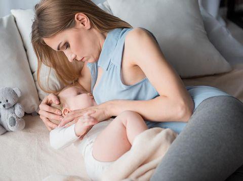 Berapa Lama Waktu yang Tepat untuk Menyusui Bayi Mudah Tertidur?