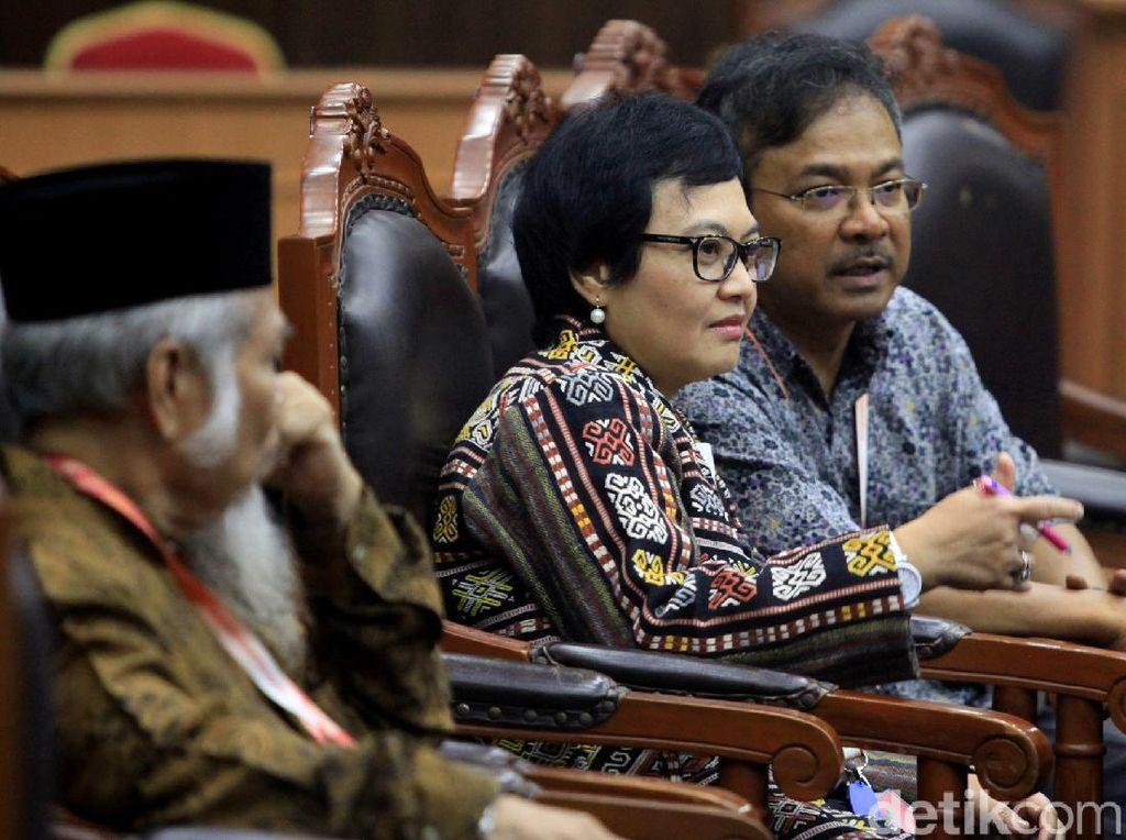 Pakar Hukum hingga Ahli Filsafat Bersaksi di Sidang Uji Formil UU KPK