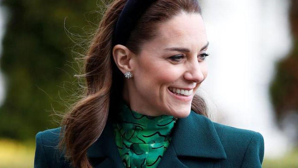 Gaya Lady Like Kate Middleton Pakai Anting Rp 314 Juta