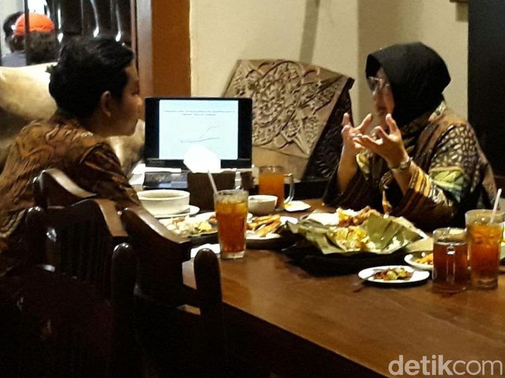 Dipandu Risma, Gibran Kuliah Singkat Tata Kota di Rumah Makan Solo
