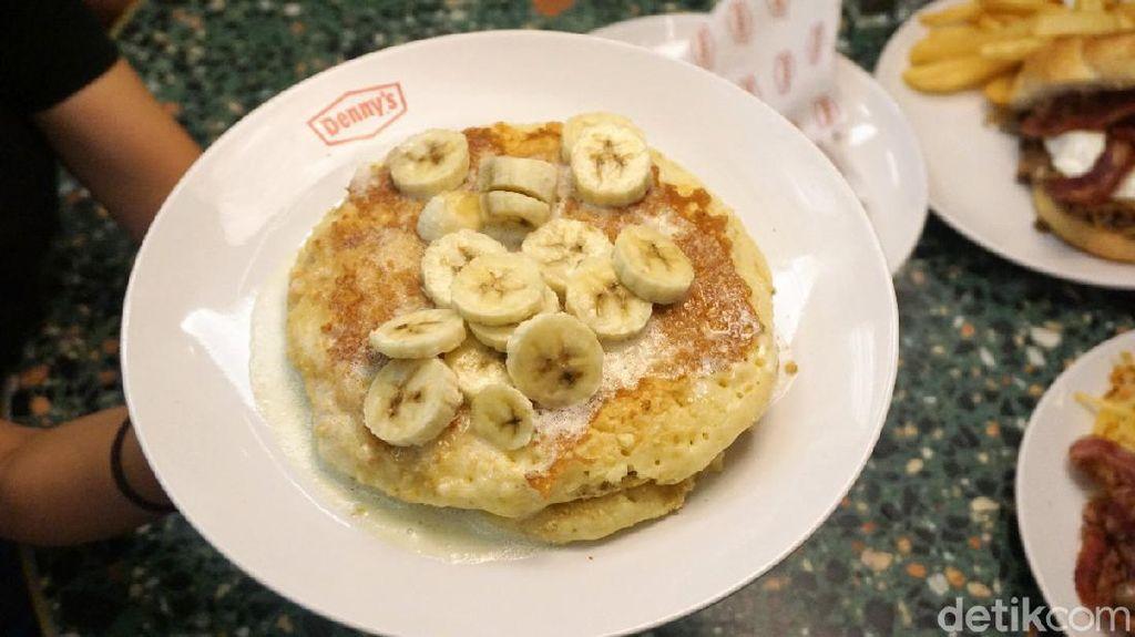 Yummy! Mencicipi Slamburger dan Banana Cream Pancake ala Amerika