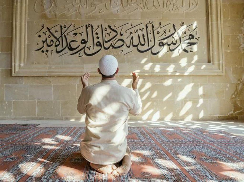 Doa Setelah Sholat Ashar dan Sholat Fardhu Lainnya, Lengkap dengan Artinya