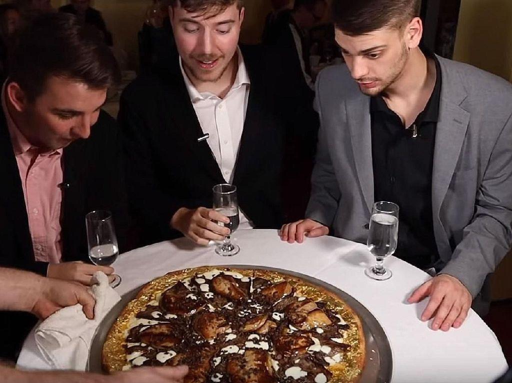YouTuber Ini Cicip Makanan Paling Mahal, Ada Pizza Rp 1 Miliar!