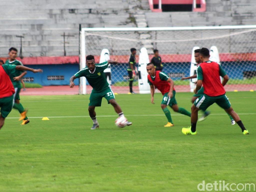 Terobosan dari Persebaya Surabaya: Latihan Online