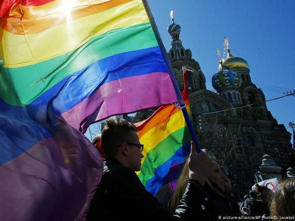 Presiden Putin Upayakan Langkah Konstitusional Larang Pernikahan Gay