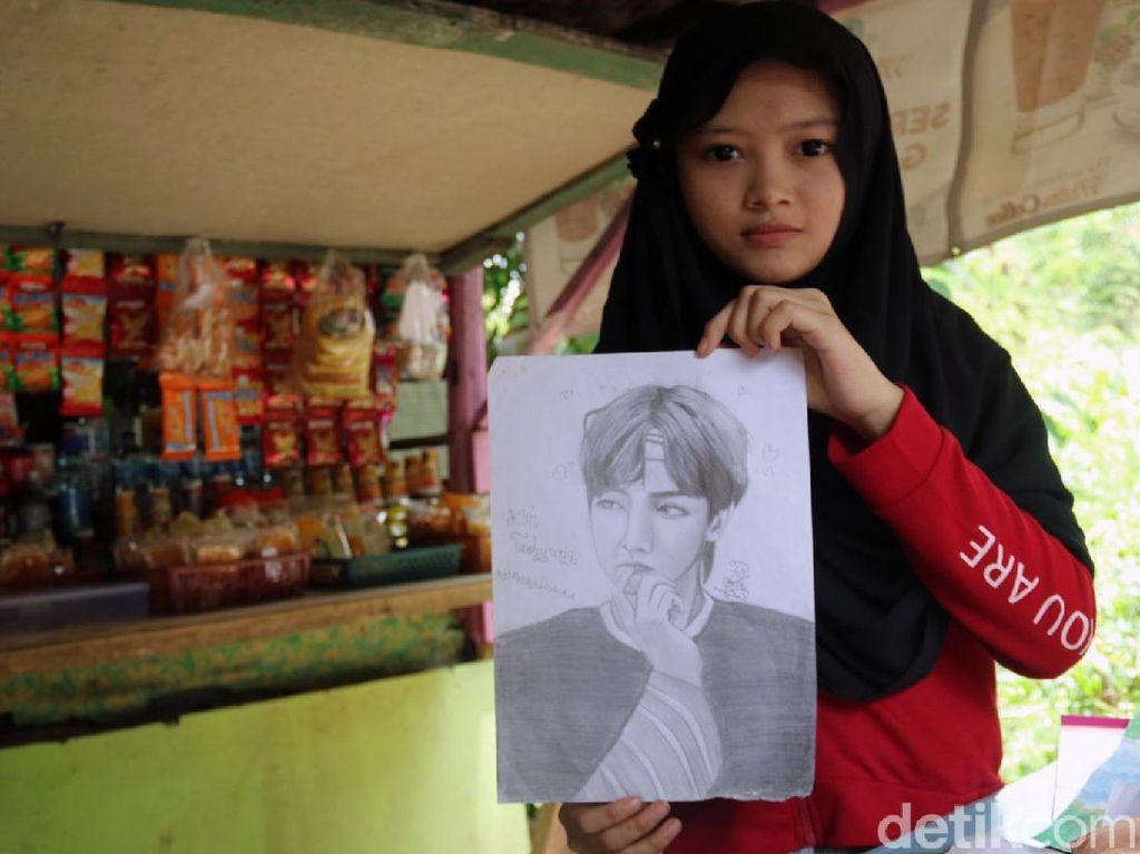 Jeratan Bank Emok di Balik Kisah Febby Gadis Jago Gambar yang Putus Sekolah