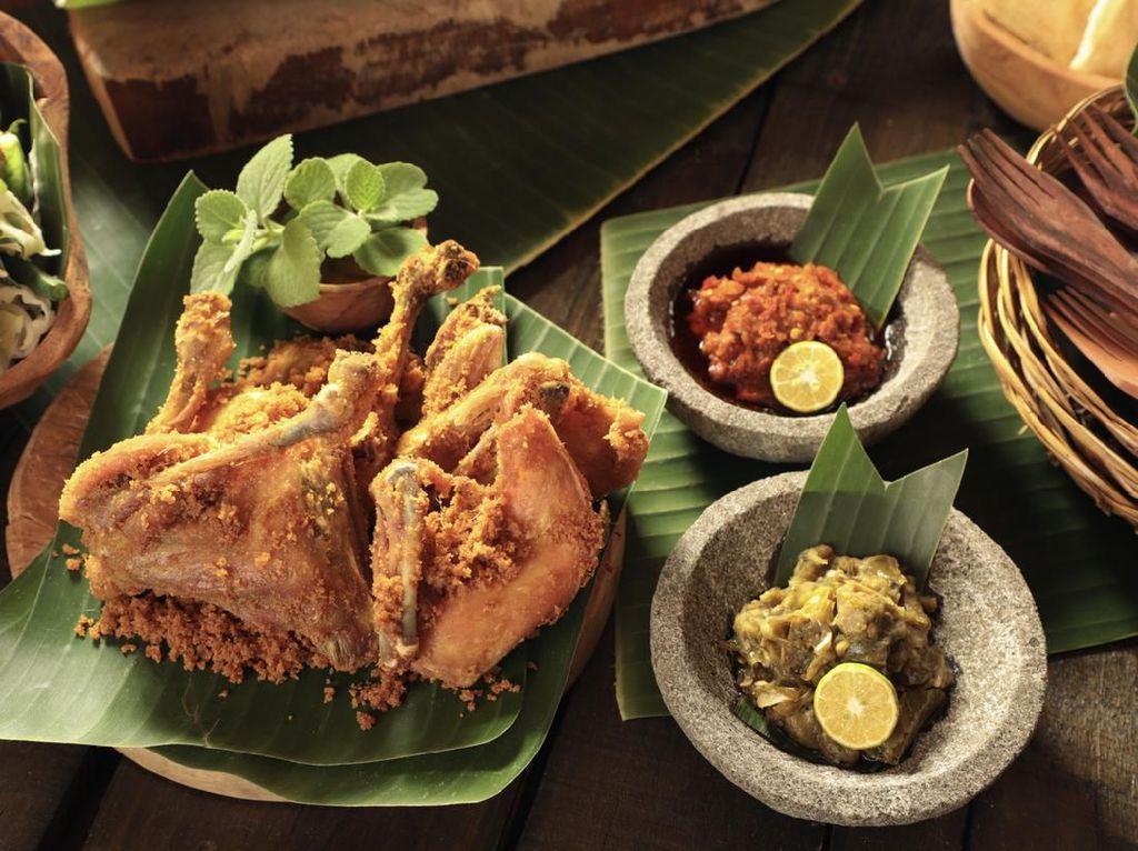 5 Resep Ayam Kampung: Bumbu Rendang hingga Opor