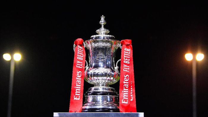 MALDON, ENGLAND - NOVEMBER 29: The FA Trophy is seen prior to the FA Cup Second Round match between Maldon and Tiptree FC abd Newport County AFC at The Wallace Binder Ground on November 29, 2019 in Maldon, England. (Photo by Justin Setterfield/Getty Images)