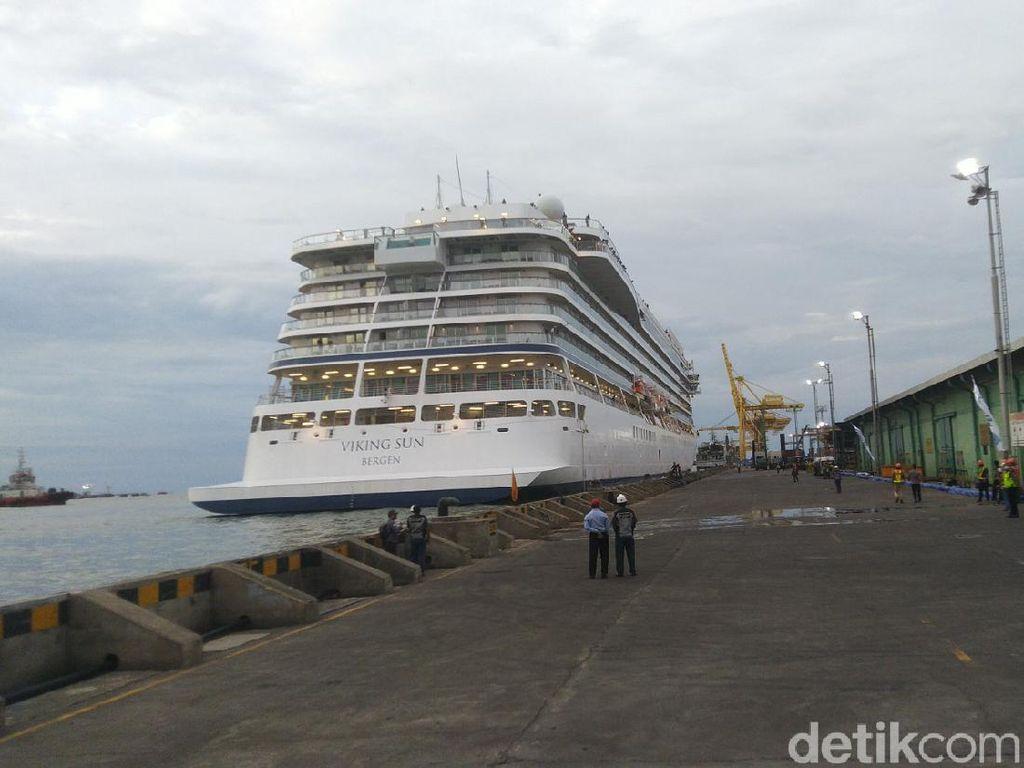 Begini Hasil Cek Kesehatan Penumpang Kapal Pesiar Viking Sun di Semarang
