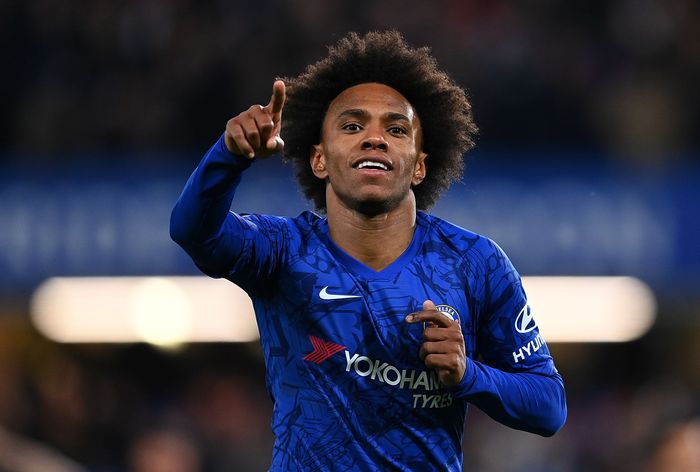 LONDON, ENGLAND - MARCH 03:  Willian of Chelsea celebrates after scoring his sides first goal during the FA Cup Fifth Round match between Chelsea FC and Liverpool FC at Stamford Bridge on March 03, 2020 in London, England. (Photo by Clive Mason/Getty Images)