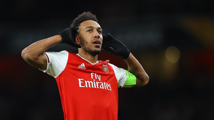 LONDON, ENGLAND - FEBRUARY 27: Pierre-Emerick Aubameyang of Arsenal FC celebrates after scoring his teams first goal in extra-time during the UEFA Europa League round of 32 second leg match between Arsenal FC and Olympiacos FC at Emirates Stadium on February 27, 2020 in London, United Kingdom. (Photo by Julian Finney/Getty Images)