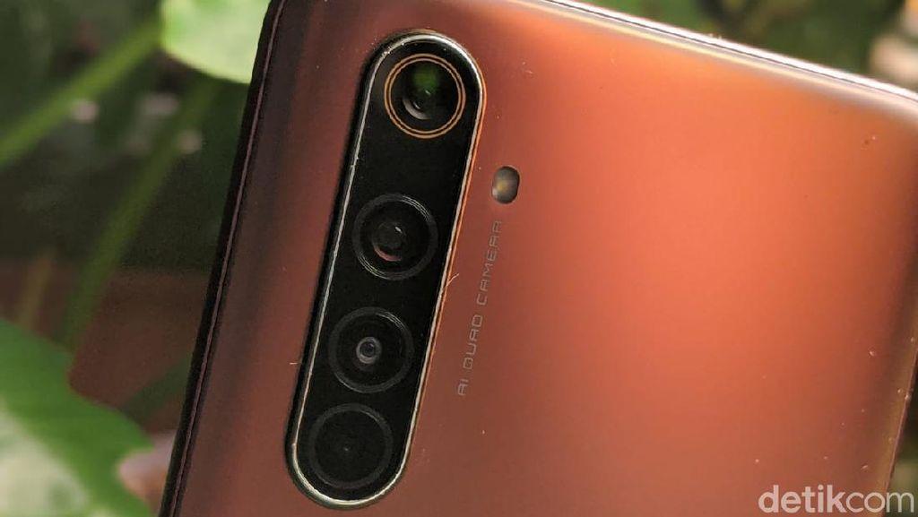 Menggenggam Realme X50 Pro 5G di Indonesia