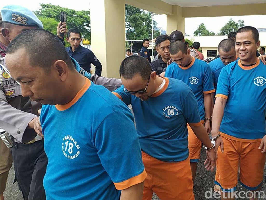 Polisi Bekuk Lima Pelaku Pembuat STNK Palsu di Cianjur